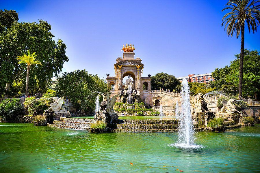 Barcelona_Parc de_la_Ciutadella_Radynacestu_Pavel_Spurek_2015.jpg