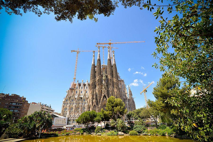 Barcelona_Sagrada_Familia_2_Radynacetu_Pavel_Spurek_2015.jpg