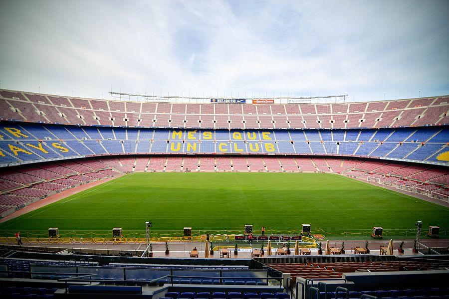 Barcelona_Camp_Nou_Radynacestu_Pavel_Spurek_2015.jpg