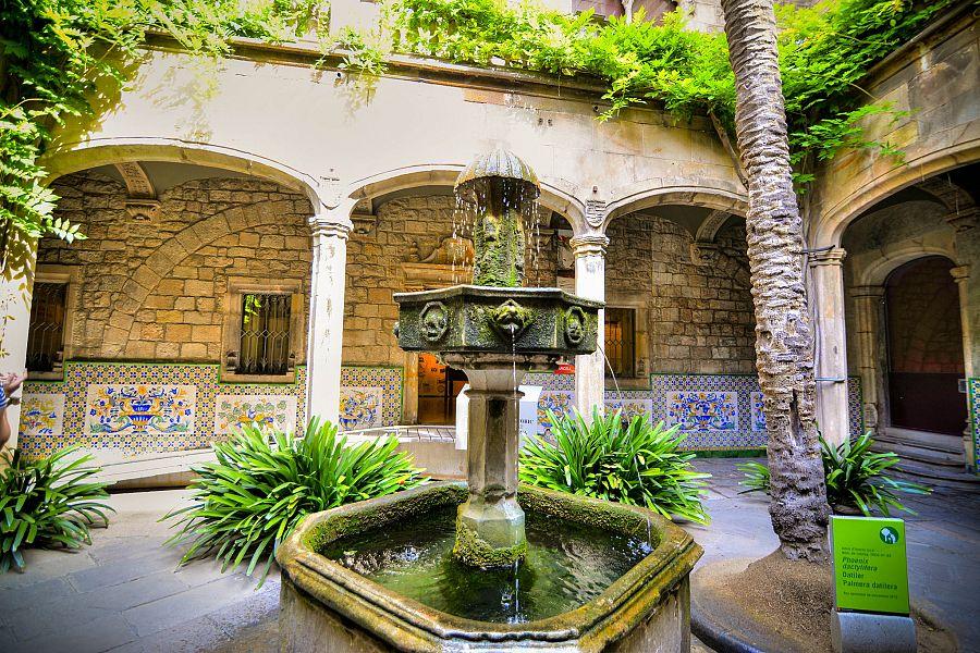 Barcelona_goticka_ctvrt_Radynacestu_Pavel_Spurek_2015.jpg