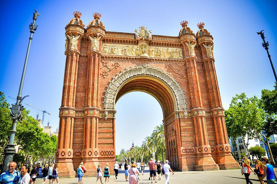 Barcelona_Vitezny_oblouk_Radynacestu_Pavel_Spurek_2015.jpg