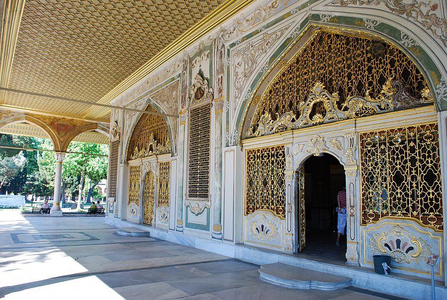 Istanbul_palac_Topkapi_architektura.jpg