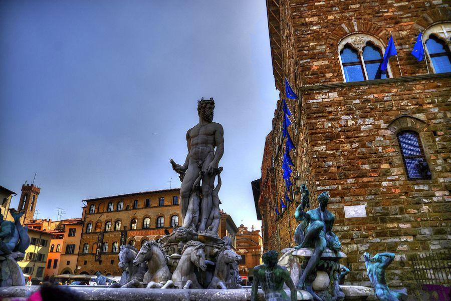 Piazza della Signoria - Neptunova fontána