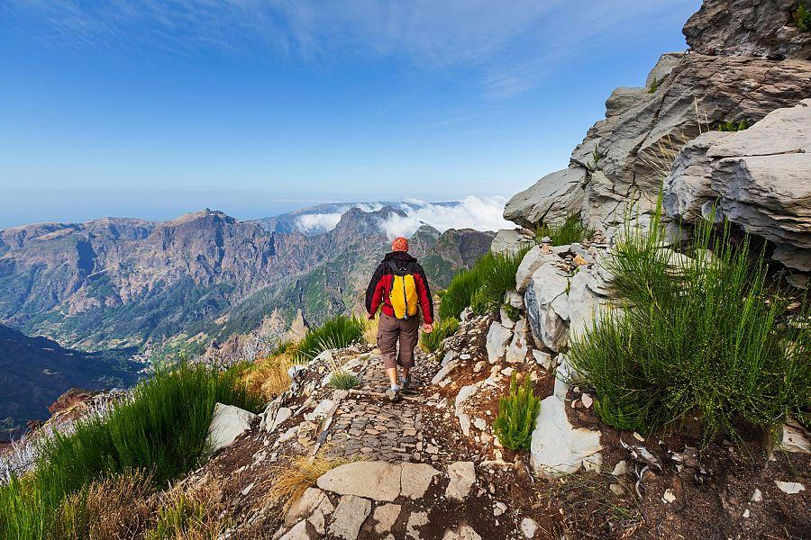 Madeira_trek_na_Pico_Ruivo.jpg