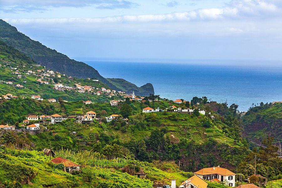 Madeira_vyhledy_u_Porto_da_Cruz_a_Faial.jpg