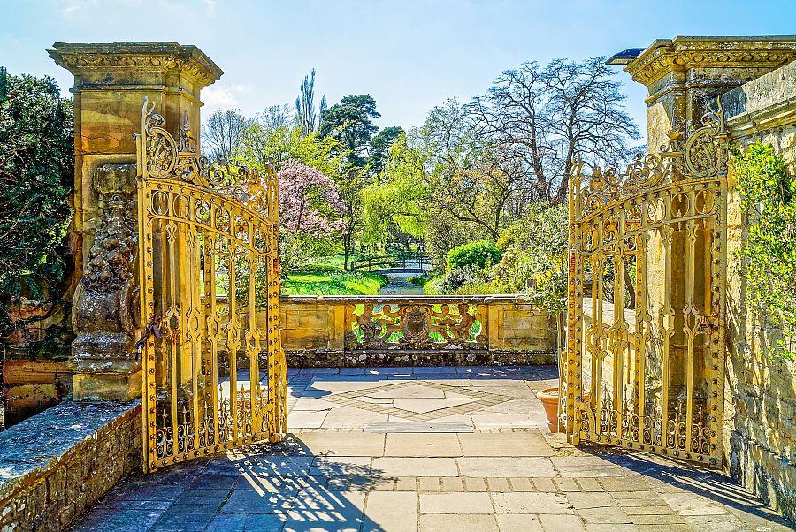 Anglie_Hever_Castle_zahrady.jpg
