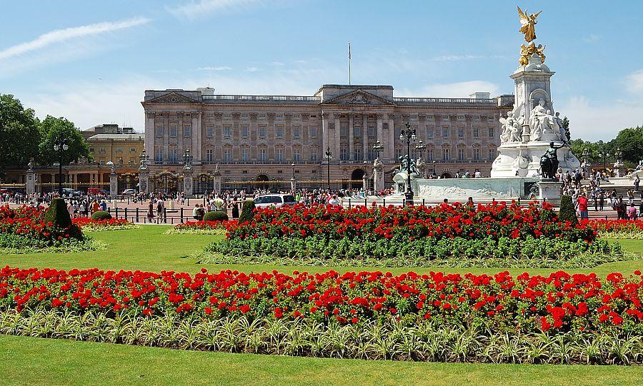 Londyn_Buckingham_Palace.jpg