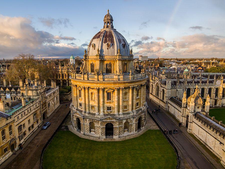 Oxford_univerzita_knihovna.jpg