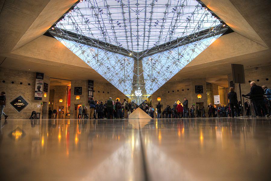 Pariz_Louvre_Radynacestu_Pavel_Spurek_2015.jpg