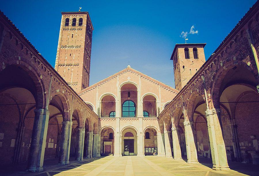 Milan_ Basilica_di Saint_Ambrogio.jpg