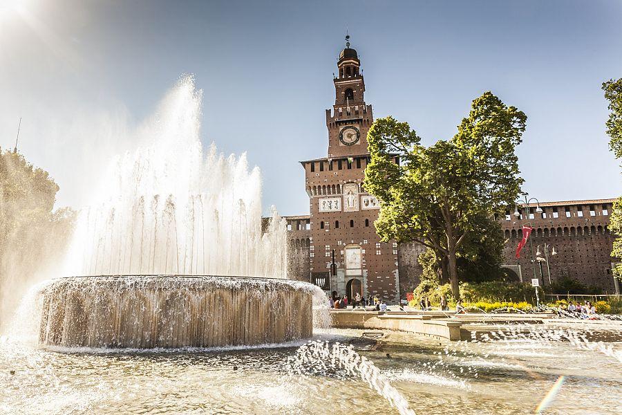 Milan_pevnost_Castello_Sforzesco.jpg