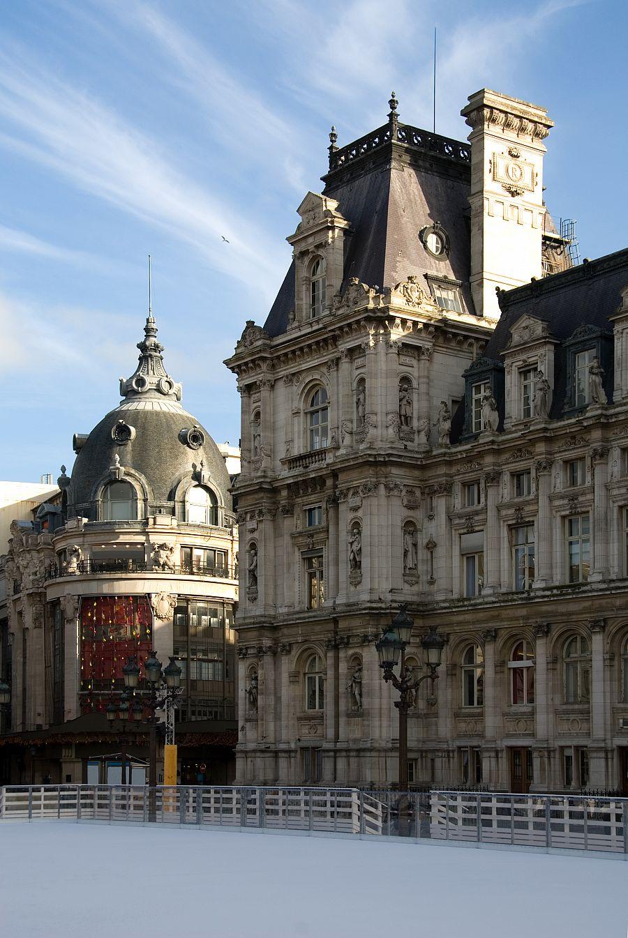 Pařížská radnice a kluziště