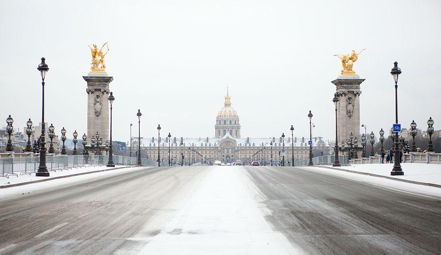 Invalidovna a Most Alexandra III