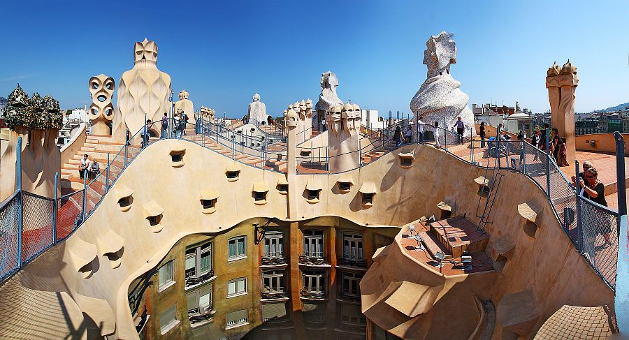 Barcelona_La_Pedrera_Flickr_Wenjie_Zhang.jpg