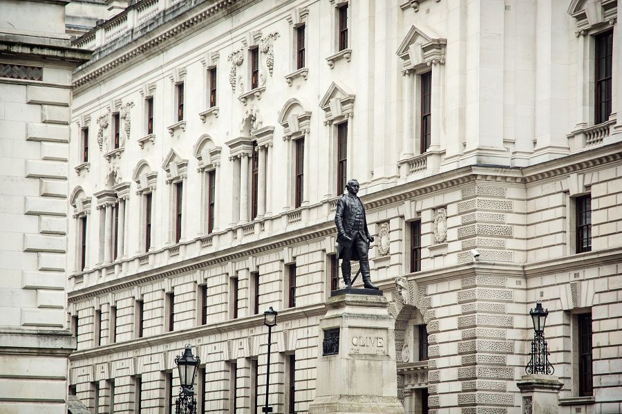 Robert Clive\'s Statue and Churchill War Rooms