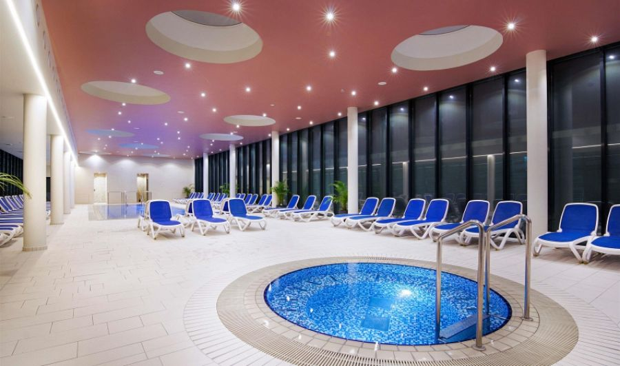 Hotel Vivat - termální bazén