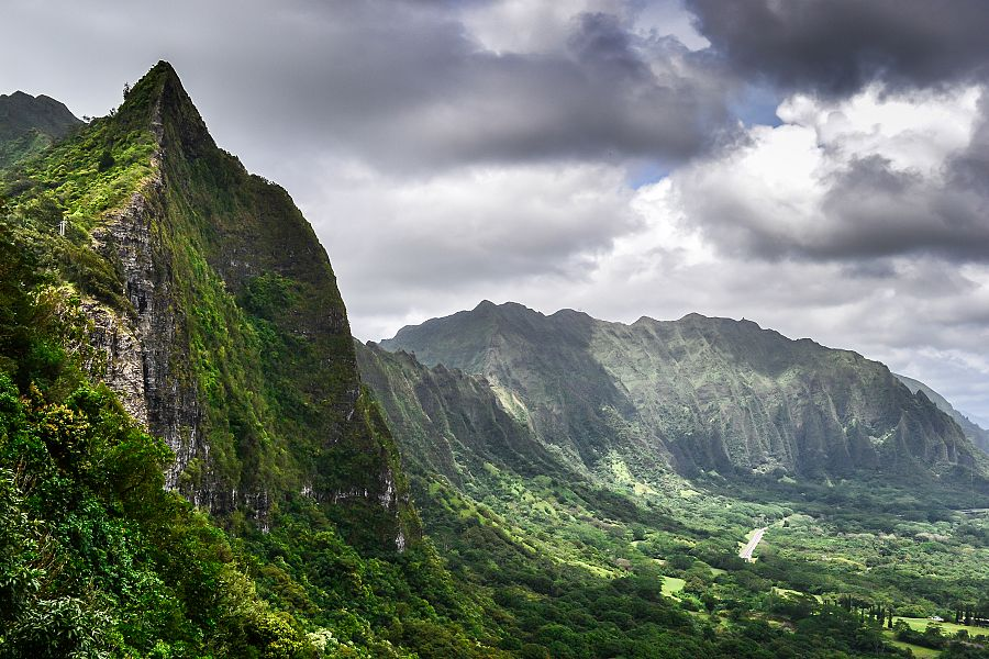 Dramatic Koolau Mountains, Hawai