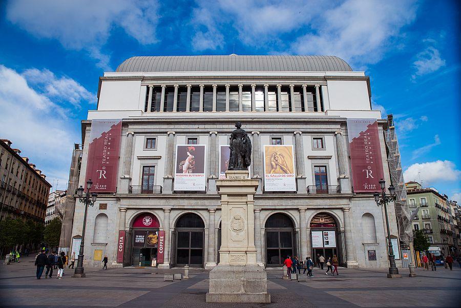 Madrid_budova_opery_Radynacestu_foto_Pavel_Spurek.jpg