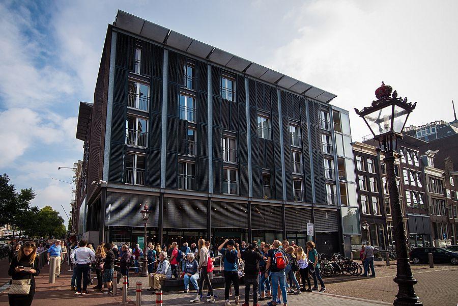 Amsterdam_dum_Anne_Frankove_Radynacestu_foto_Pavel_Spurek.jpg