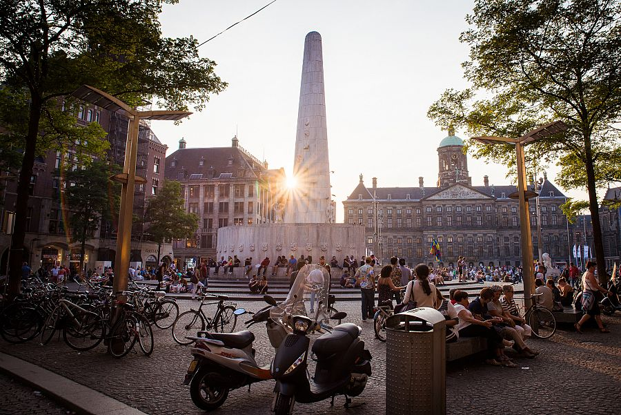 Amsterdam_namesti_Dam_Radynacestu_foto_Pavel_Spurek.jpg