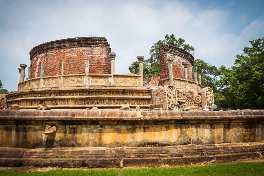 Sri_Lanka_Polonnaruwa_palac.jpg