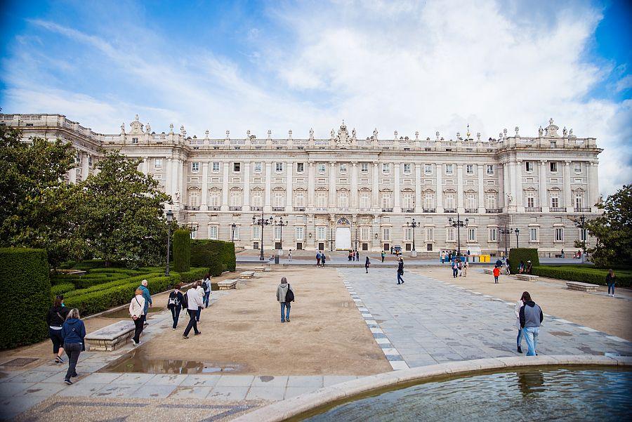 Madrid_Kralovsky_palac_3.jpg