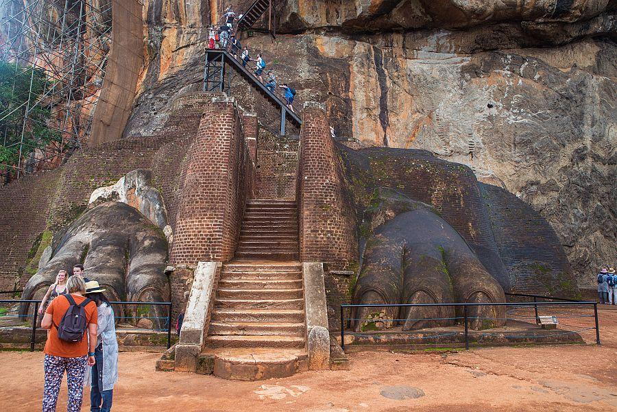 Sri_Lanka_Lvi_skala_vstup_Radynacestu_foto_Pavel_Spurek.jpg