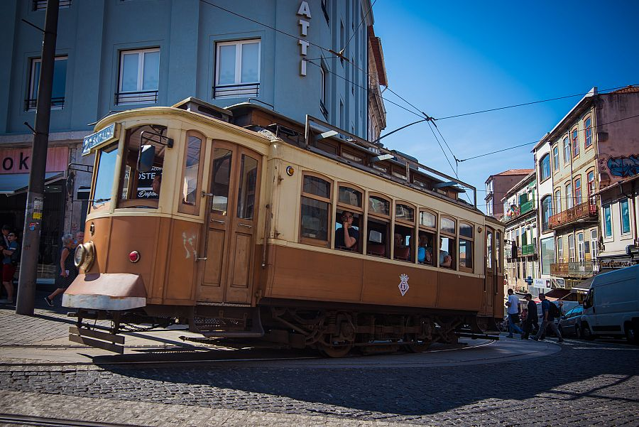 Tramvaj_porto_spurek.jpg