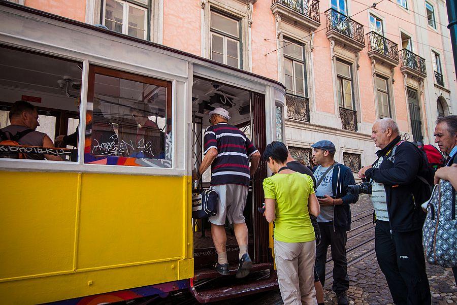 Zluta_tramvaj_klienti_lisabon_spurek (3).jpg