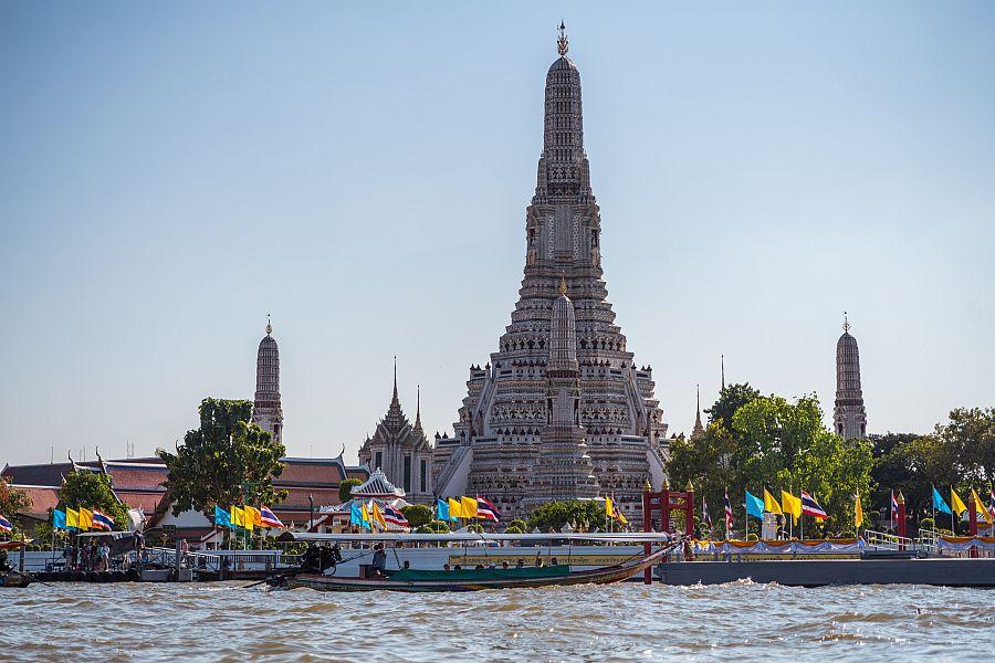 Thajsko_Bangkok_vylet_lodi_po_rece_Chao_Phraya_chram_Wat_Arun_Radynacestu_foto_Pavel_Spurek.jpg